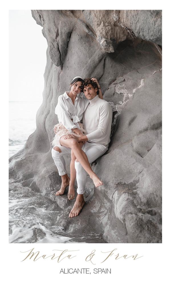 Hochzeitsfotograf mit Brautpaar auf Ibiza