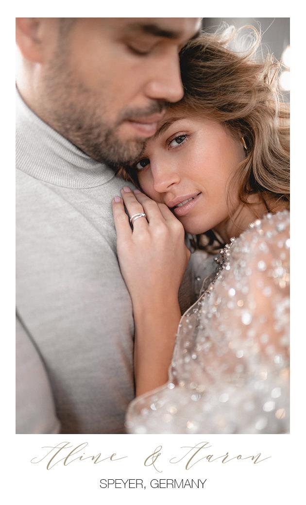 Hochzeitsfotograf mit Brautpaar in München