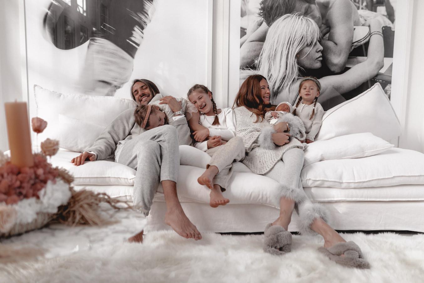 Neugeborenen und Familien Shooting mit Lena Terlutter und Fotografin Bina Terré in Köln