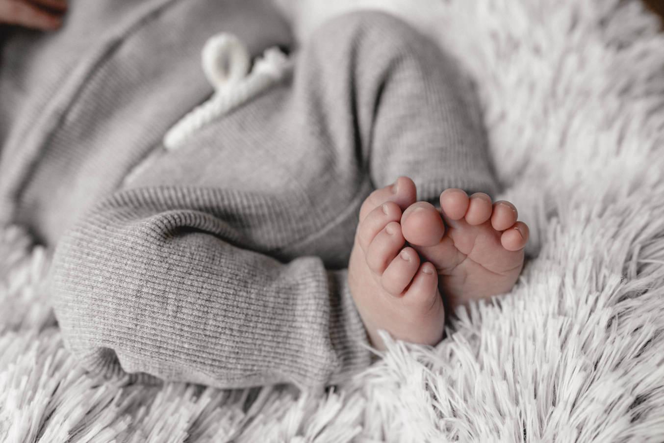Neugeborenen Füße